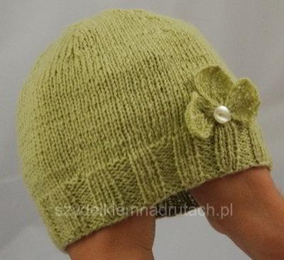 Czapka na drutach dla maluszka