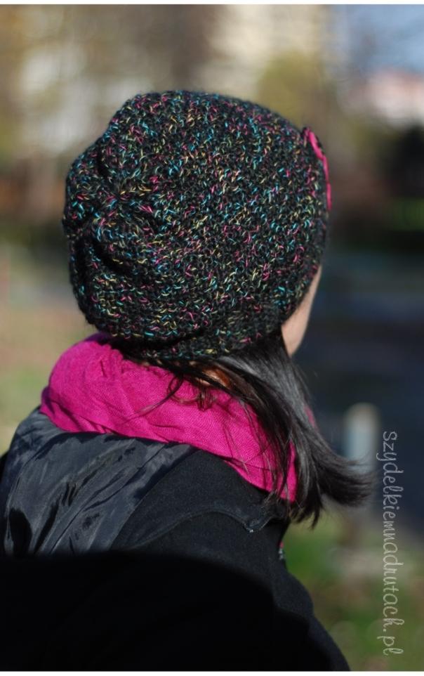 czapka czarna z kolorową nitką6