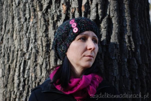 czapka czarna z kolorową nitką8
