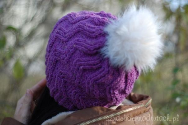 czapka z futrzanym pomponem3